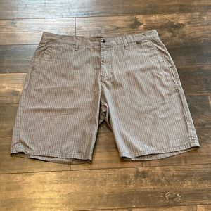 Hurley stripes shorts